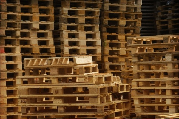 pallet manufacturers 11 600x399 5 Tips on Choosing the Best Pallet Manufacturer